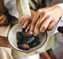 ayurvedic sattvic date-almond shake